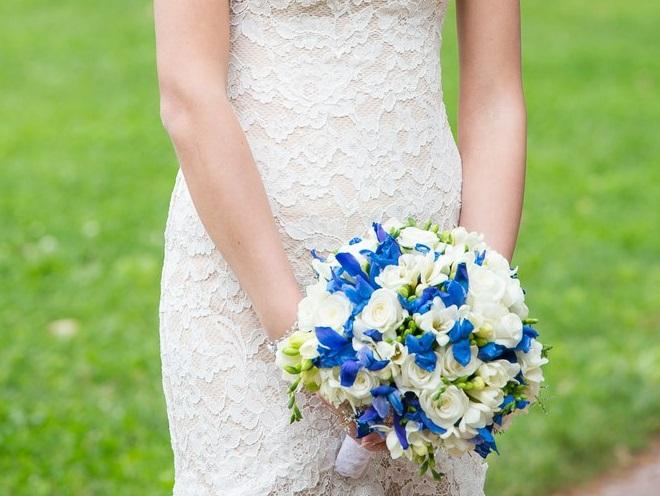Букет невесты для синей свадьбы